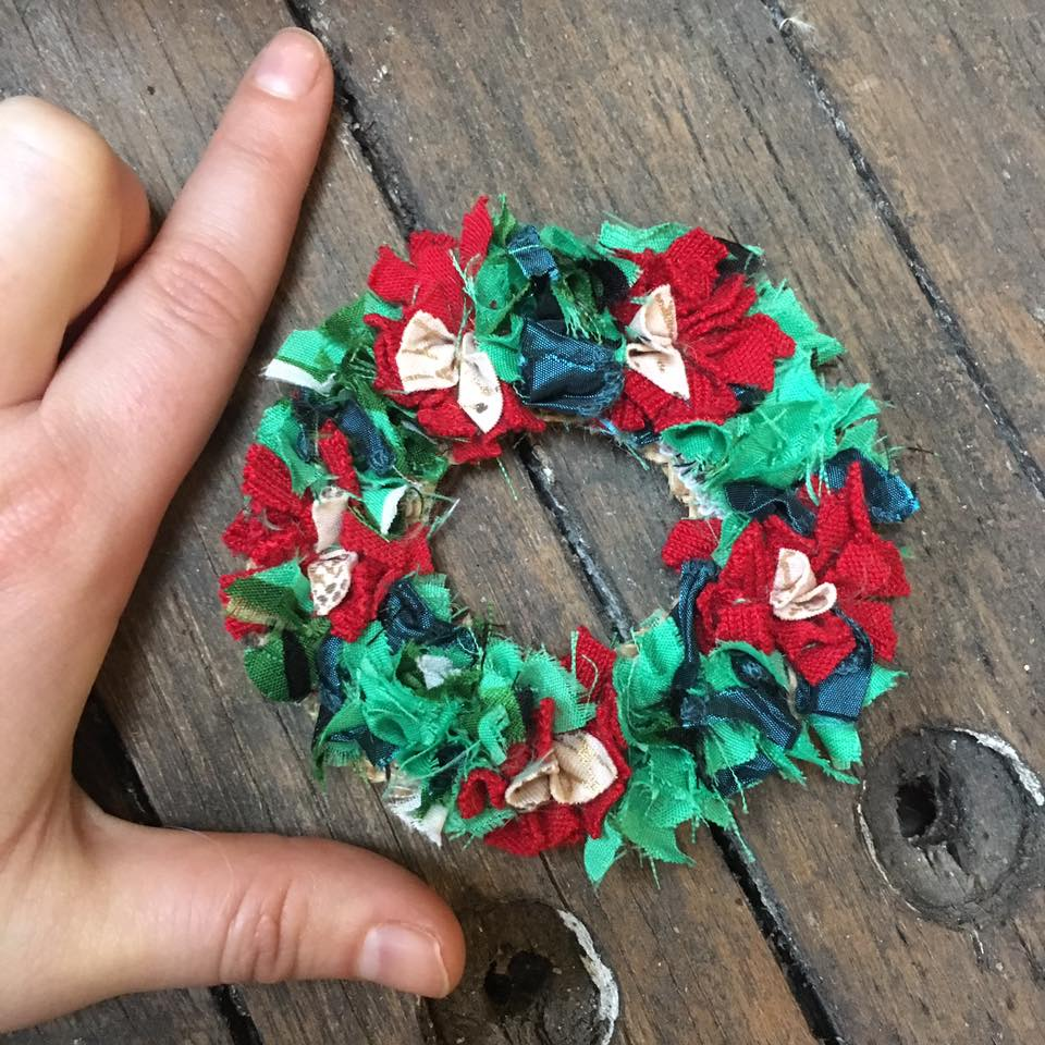 Mini rag rug Christmas wreath.