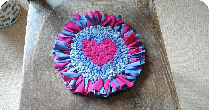 Rag Rug Heart Trivet Shaggy & Loopy Rag Rugging