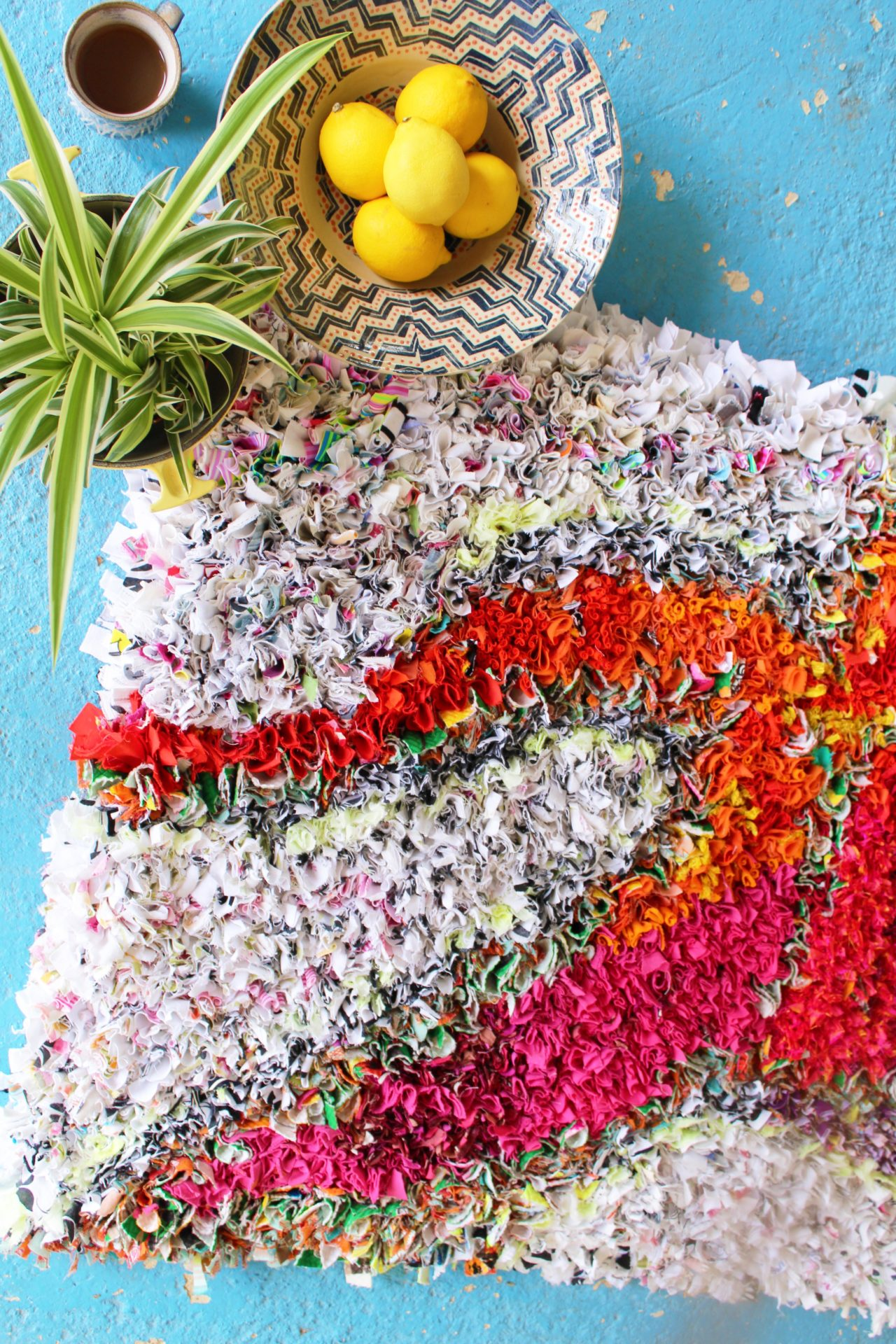 Styling a rag rug with lemons palm bowl mug