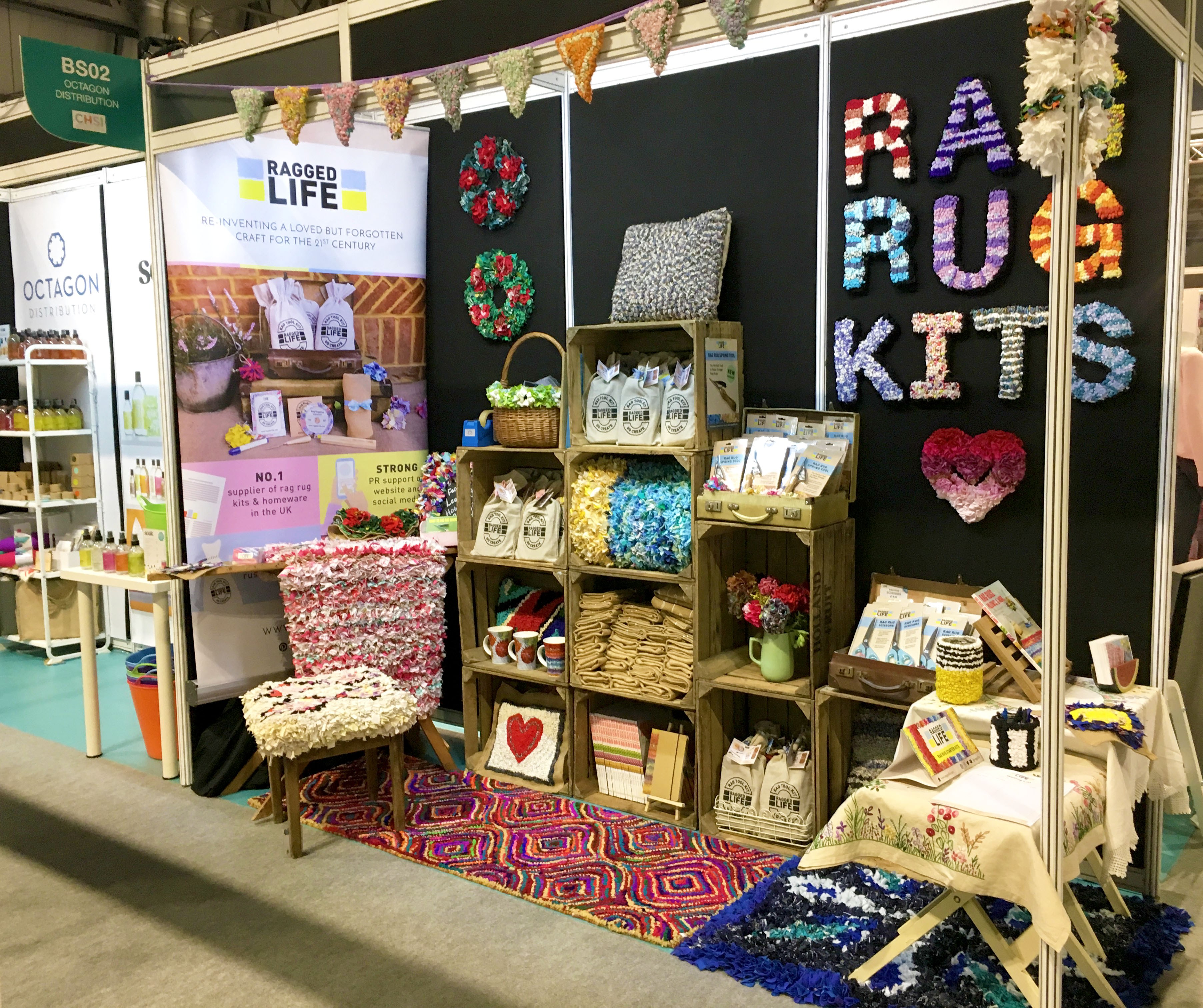 Ragged Life Rag Rug Stand at CHSI Stitches 2018
