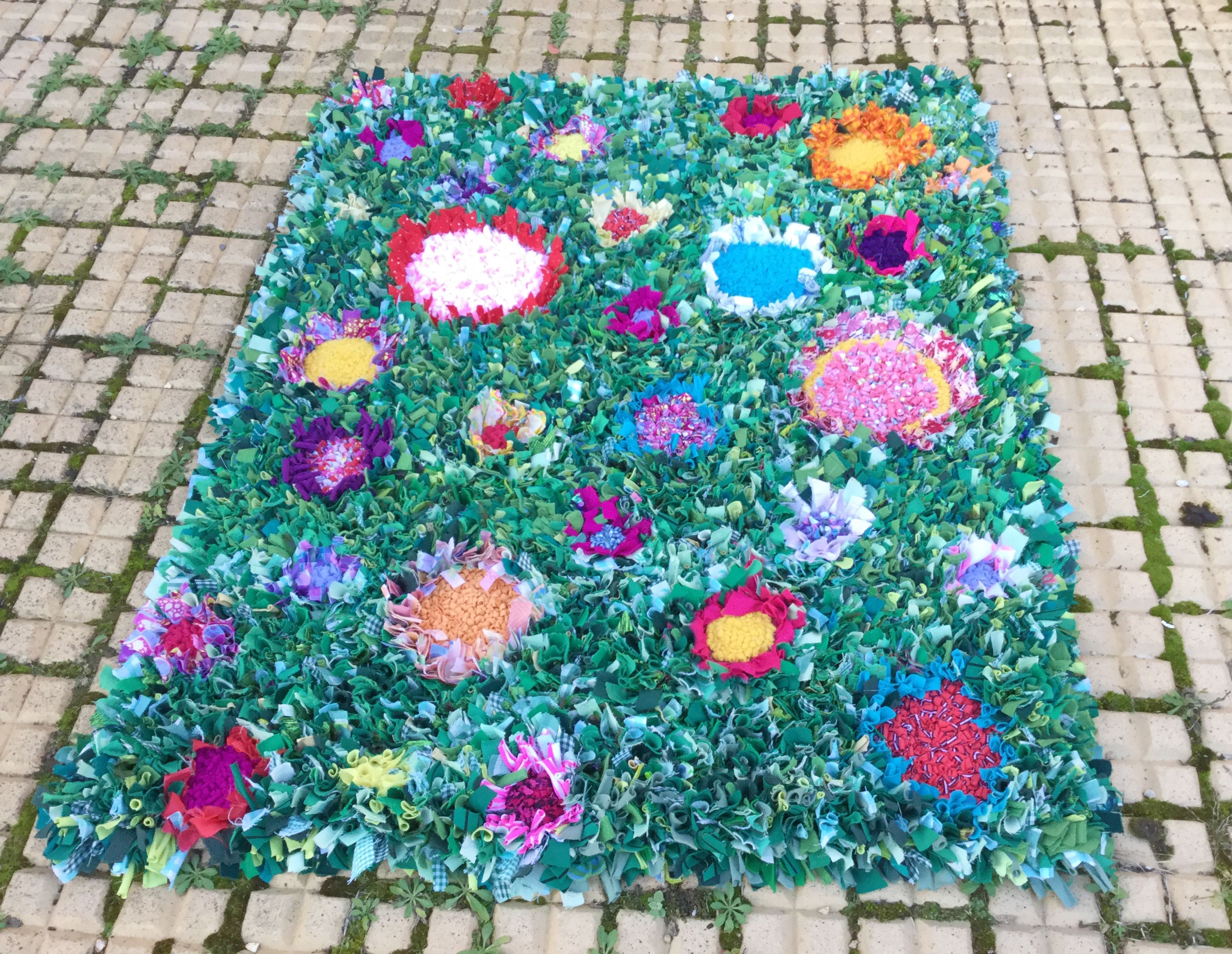 Ragged Life Blog Finished Story Time Rag Rug Ragged Life Blog