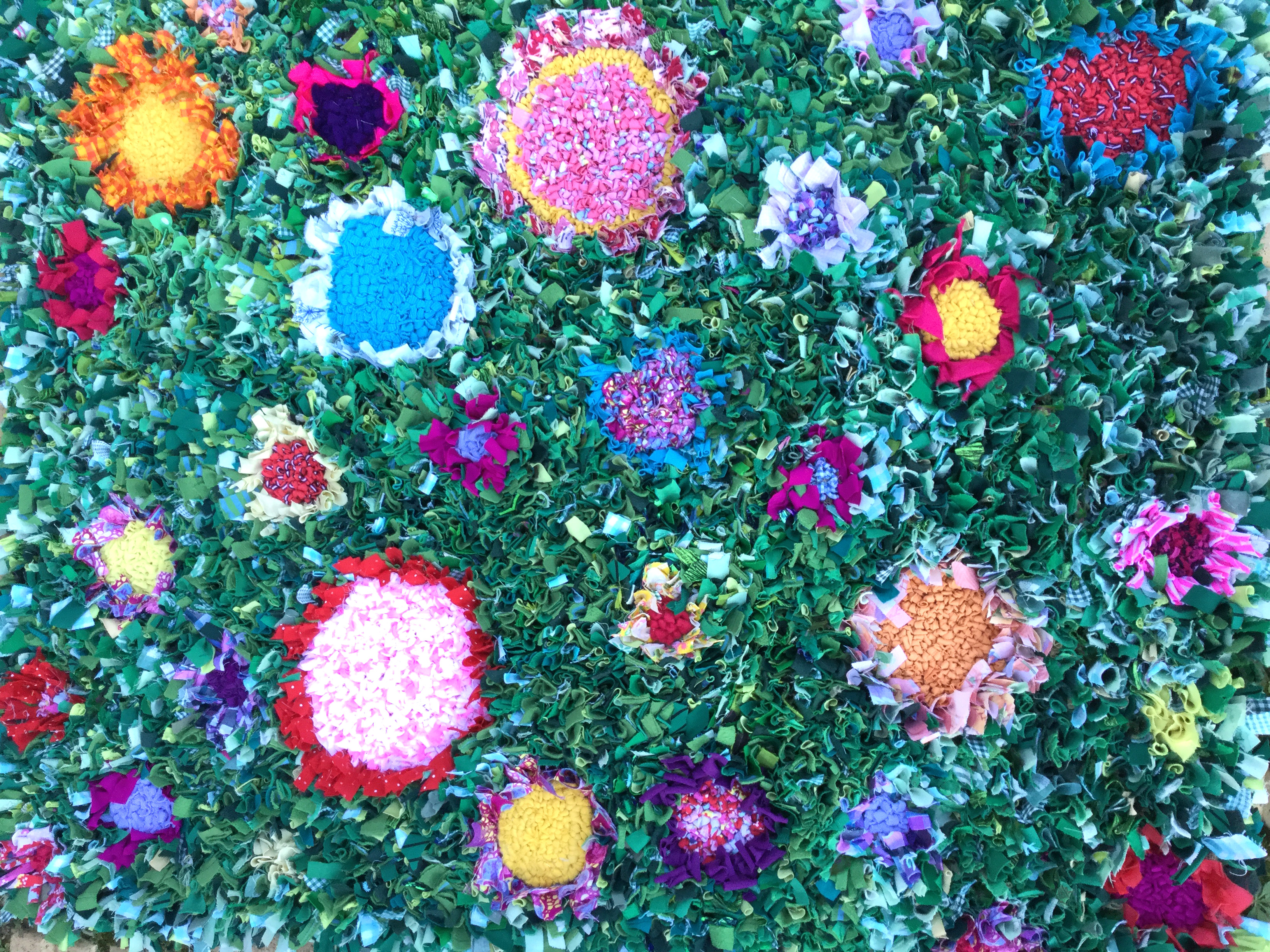 Garden Rag Rug with green and rag rug flowers