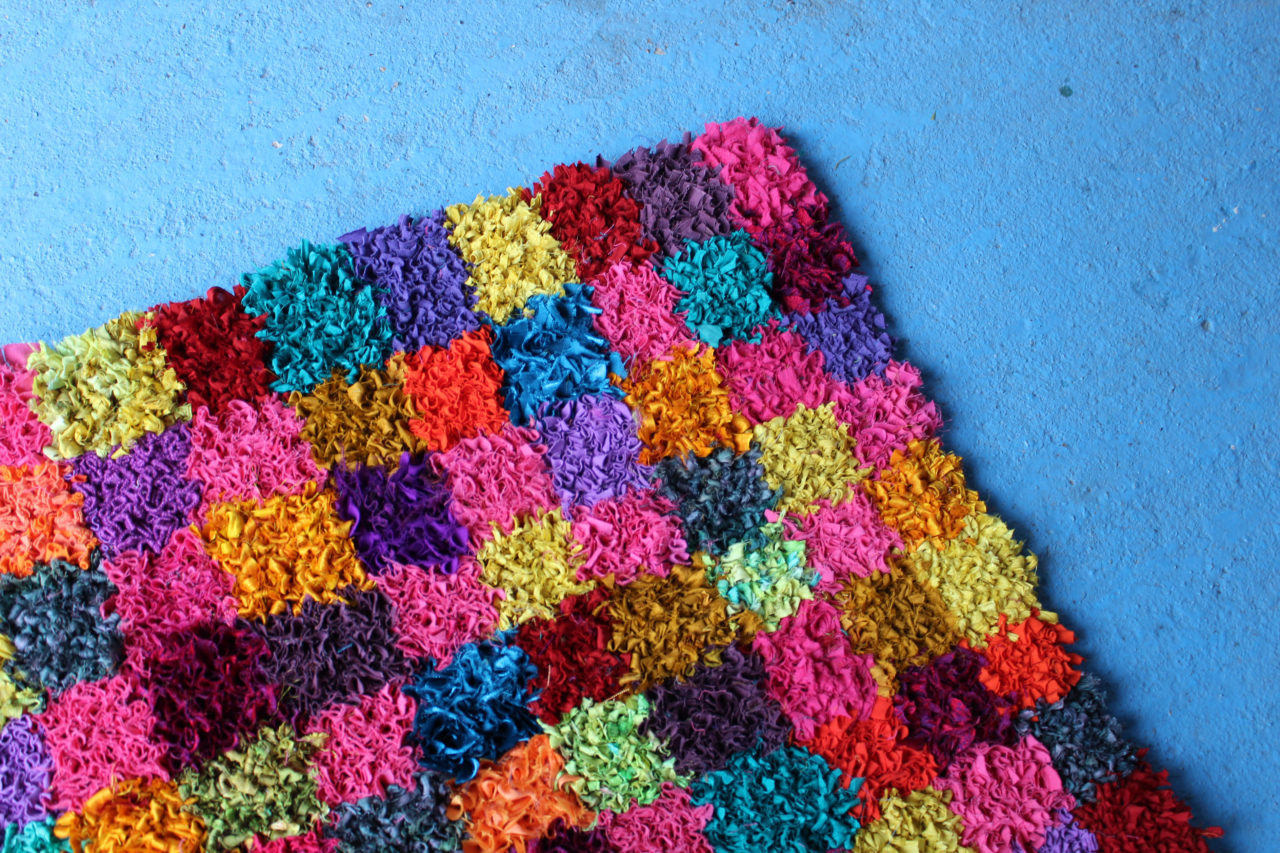 Beautiful handmade rag rug - great idea for reducing textile waste