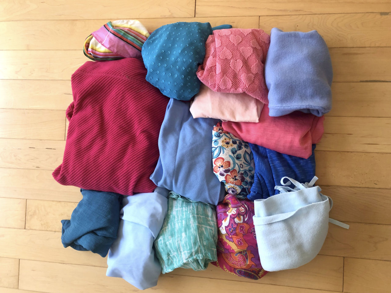 Fabric and old clothing for berber rag rug making