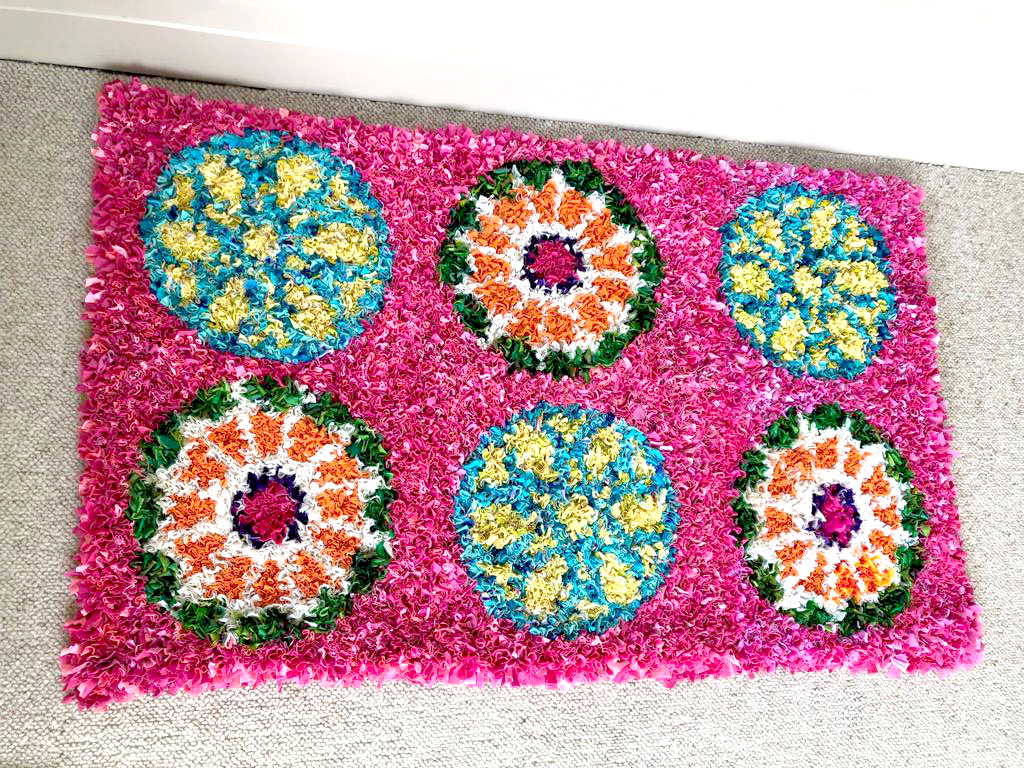 DIY rag rug made using ragged life rag rug kit